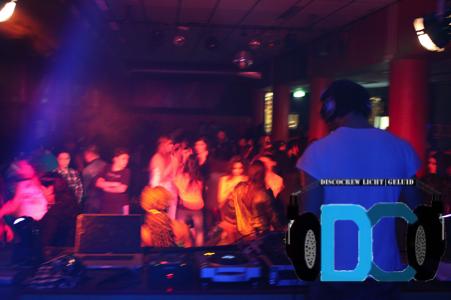 Discocrew drive-in show dj schoolfeest dans laser feest disco huren inhuren bruiloft den haag zuid-holland licht geluid